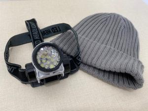 ヘッドライトとニット帽