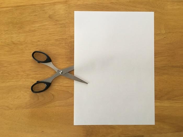 ハサミと紙