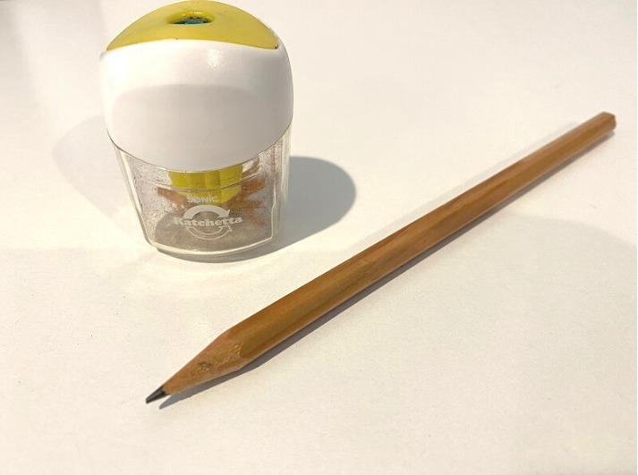 鉛筆と鉛筆削り