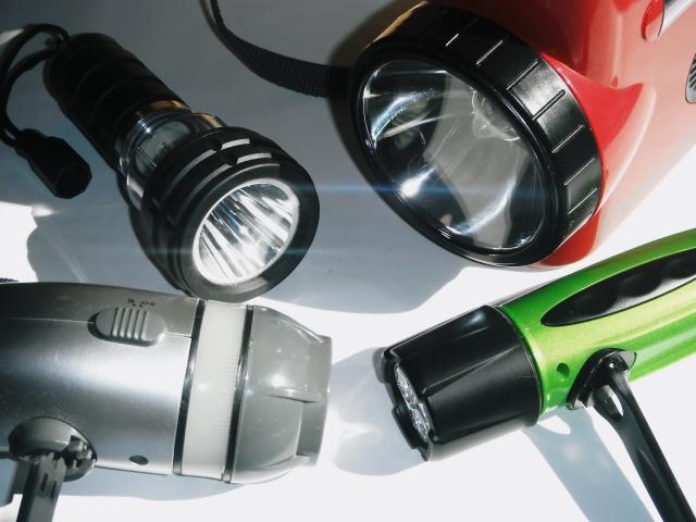 乾電池を入れっぱなしの懐中電灯