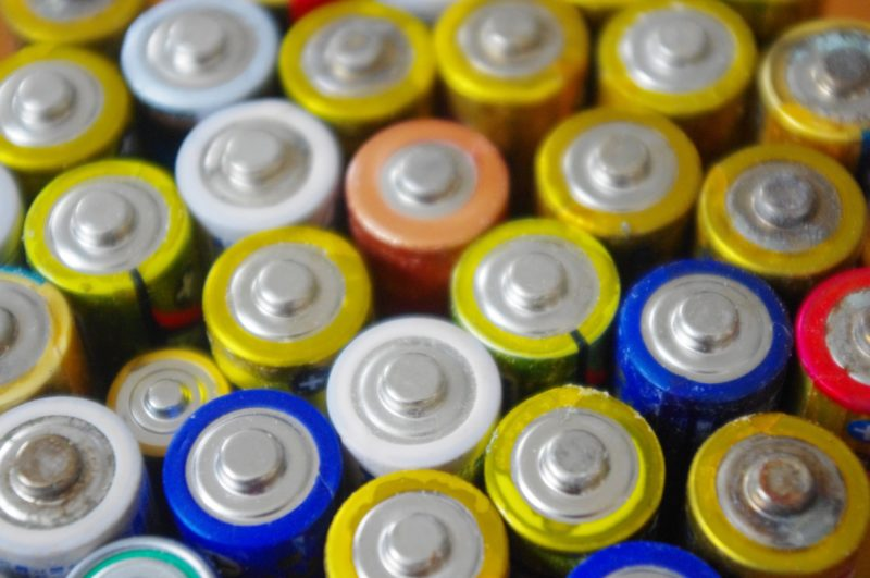 大量の乾電池