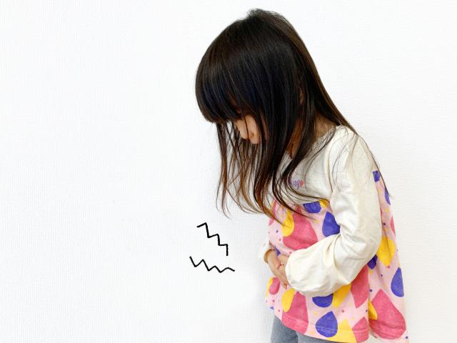 腹痛の子供